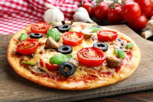 Πίτσα Λαχανικών με Viofast με λιγότερο αλάτι